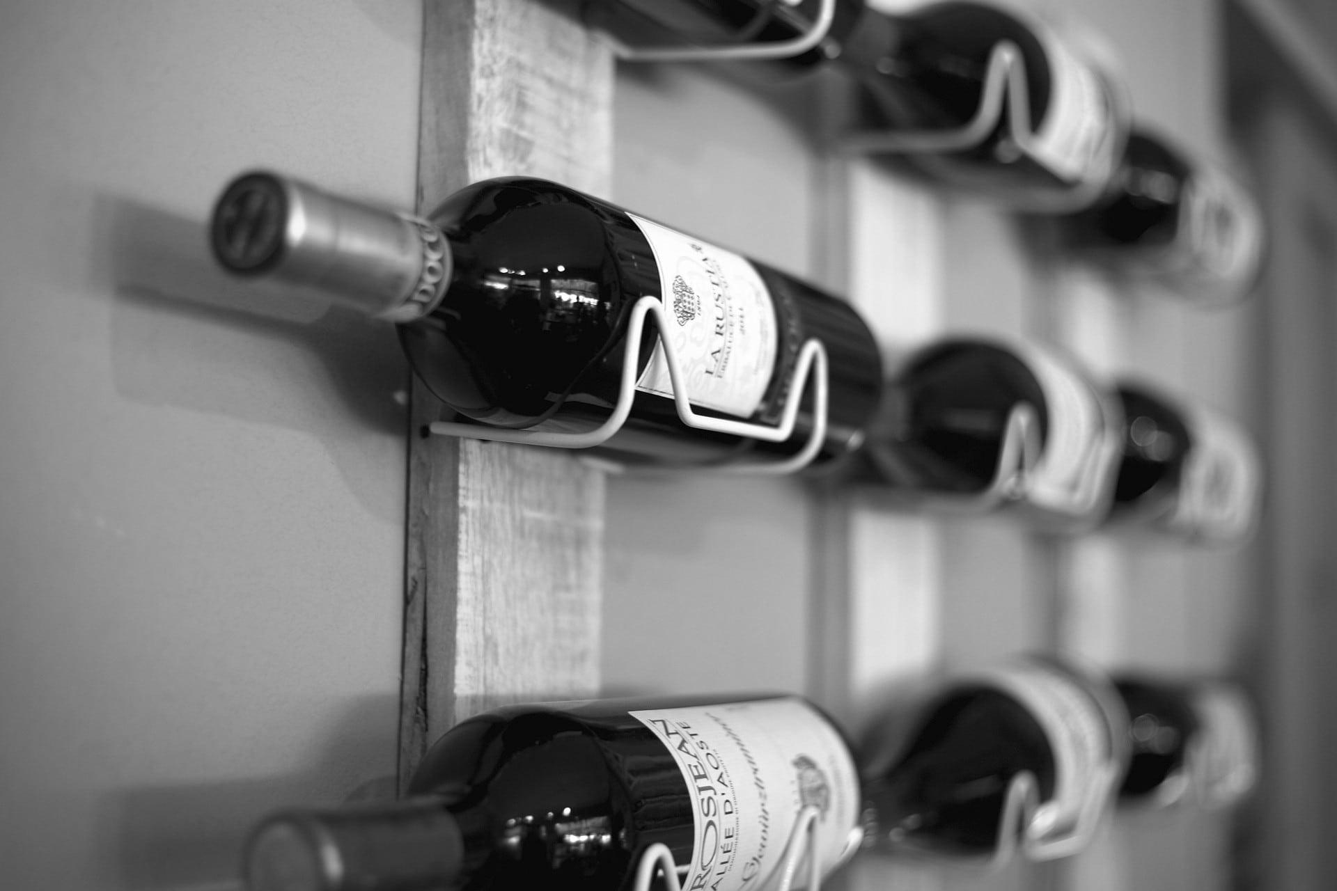 wine-rack-438443_1920-zw